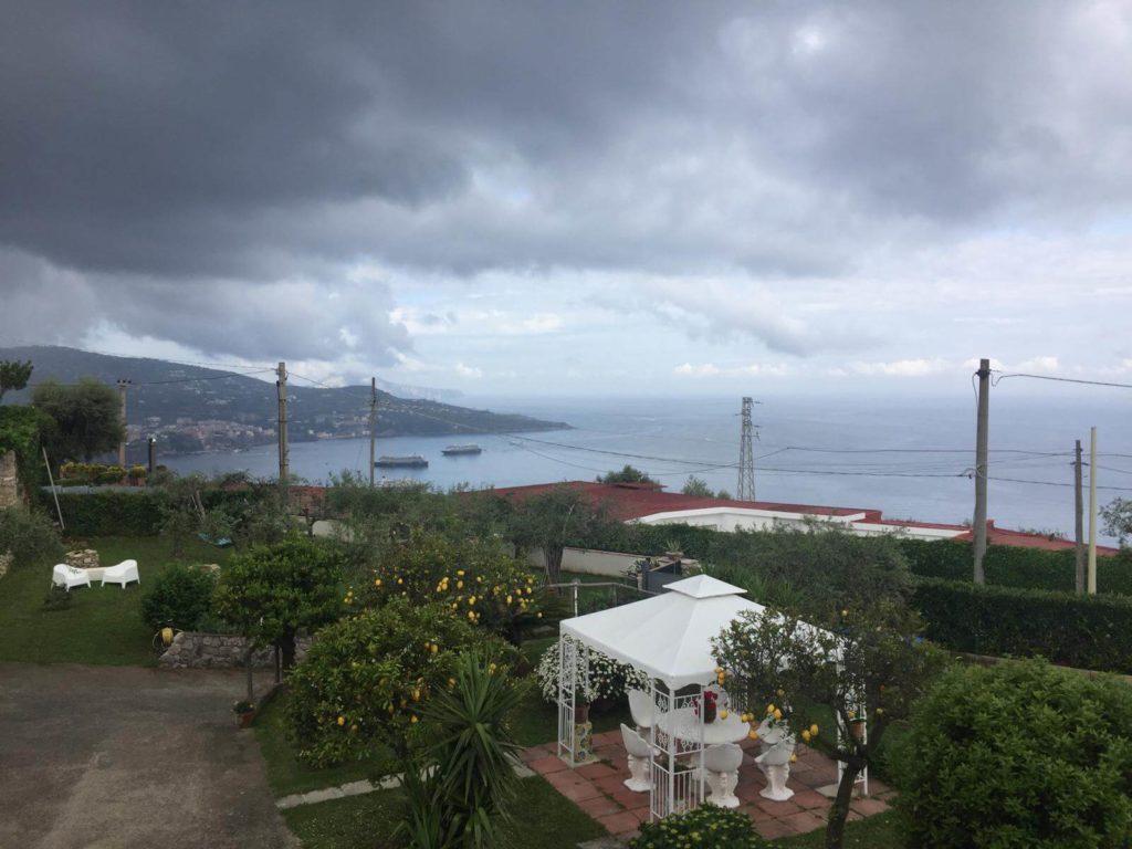 הנוף ממרפסת וילה רף בוויקו אקוונסה
