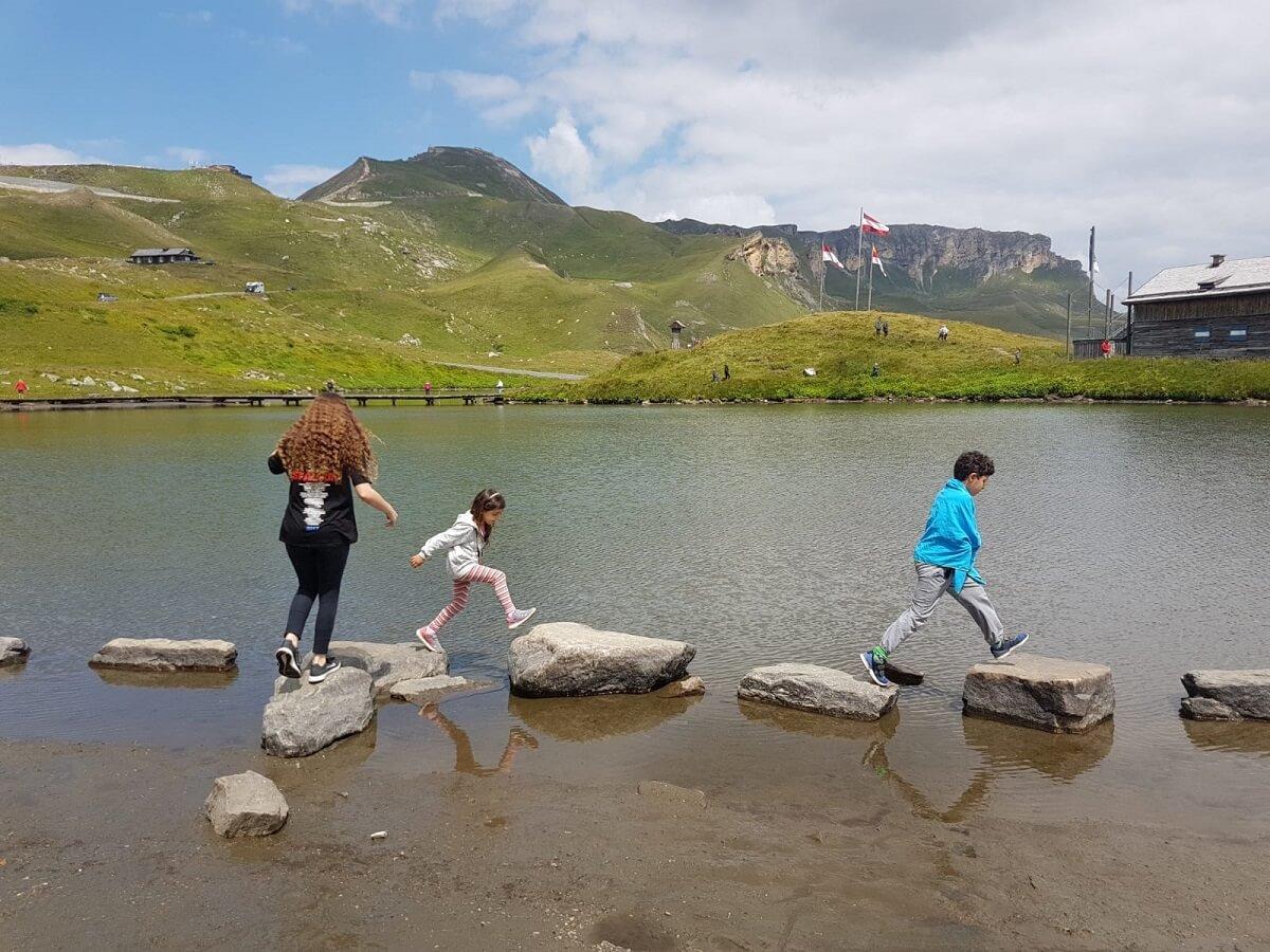 אגם אלפיני בכביש הגרוסגלוקנר באוסטריה