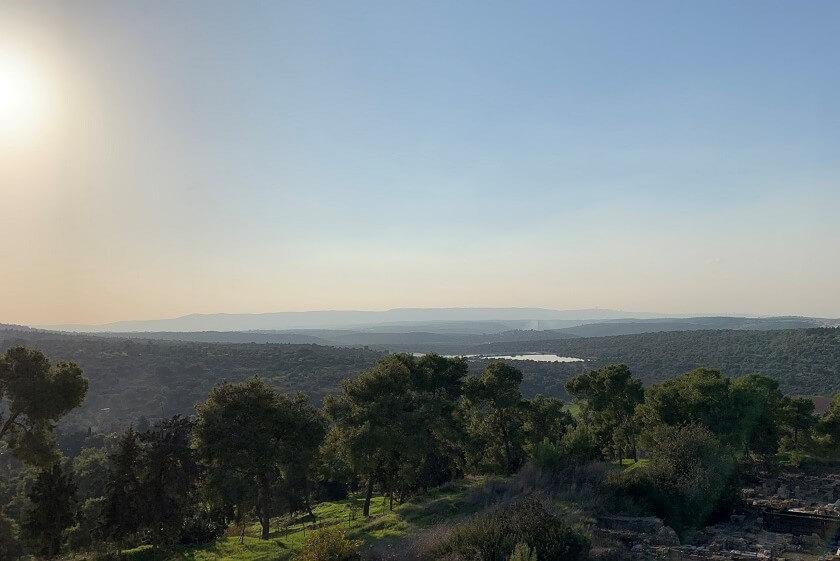 תצפית מראש המצודה בגן הלאומי ציפורי